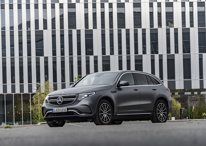 mercedes benz eqc 400 4matic 2019 32911085067 o